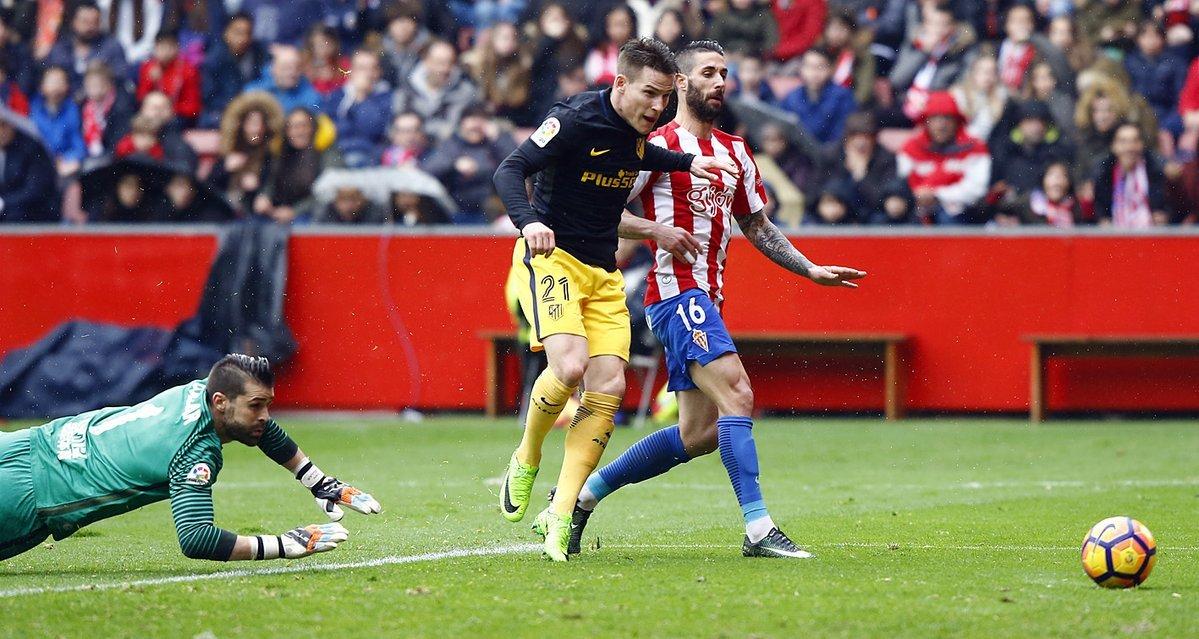 Sao Atletico làm điều kỳ diệu, Ronaldo và Messi cũng chào thua