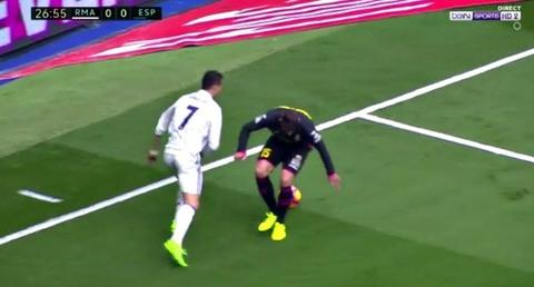 Ronaldo tái hiện kỹ thuật ảo diệu của Ronaldinho