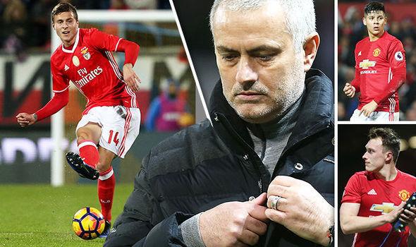 Mourinho bị đòi khó, Klopp 'giải cứu' Gotze