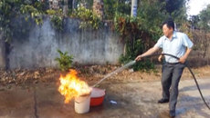 Kỳ lạ, nước giếng chỉ gần lửa là bốc cháy dữ dội