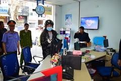 Nghi can bình thản tái hiện vụ cướp ngân hàng chấn động xứ Huế
