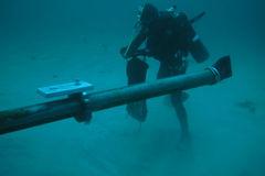 Đứt cáp quang biển AAG, vào mạng gặp khó