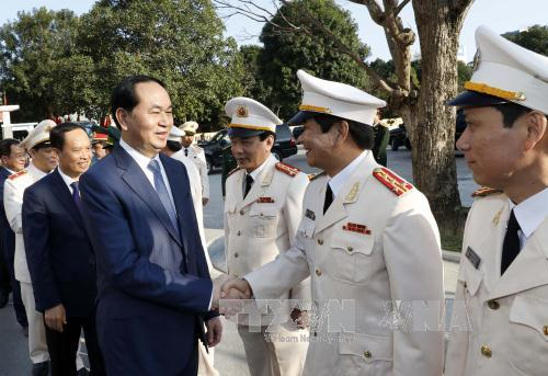 Chủ tịch nước thăm lực lượng vũ trang Thanh Hóa