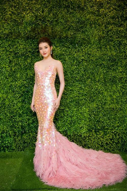 Minh Hằng, Hà Hồ, Tú Anh mặc đẹp nhất tuần qua