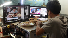 Kiếm 30 triệu mỗi đêm ở Hàn Quốc từ việc chỉ ăn và ăn
