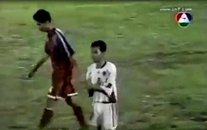 sân Thống Nhất, TP.HCM vs Long An, trọng tài Nguyễn Trọng thư, Long An diễn trò hề