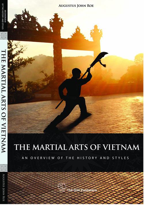 Thầy giáo ngoại quốc xuất bản sách Võ thuật Việt Nam