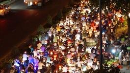 Kẹt xe nghiêm trọng qua 'lô cốt' xây hầm chui 500 tỷ