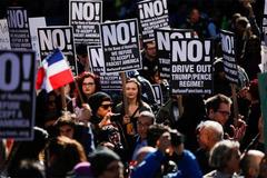 Mỹ lại dậy sóng biểu tình chống Trump