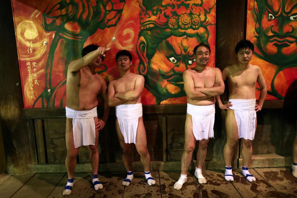 Lễ hội khoả thân, Nhật Bản, đàn ông, đóng khố, may mắn, truyền thống, chùa