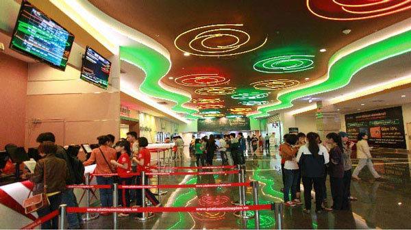 Hệ thống chiếu phim lớn nhất Hà Nội đóng cửa hàng loạt