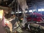 Hiện trường vụ nổ xe giường nằm vung vãi đồ của hành khách