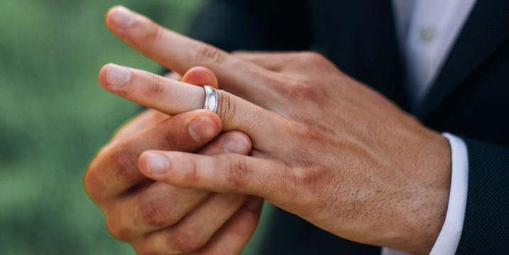 Nghe đàn ông kể xấu vợ và lý do muốn 'tháo nhẫn khỏi tay'
