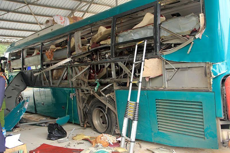 Công an xác định vụ nổ xe khách là do vật liệu nổ