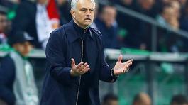 Mourinho điên tiết với các sếp bóng đá Anh