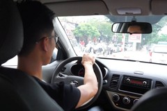 Grab, Uber dìm nhau ở Việt Nam: Giành giật khách, lôi kéo lái xe