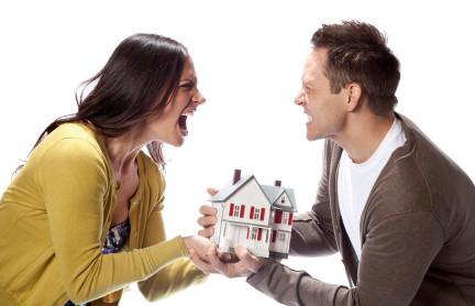 Biết bố vợ có của, con rể nhất định không chịu ly hôn
