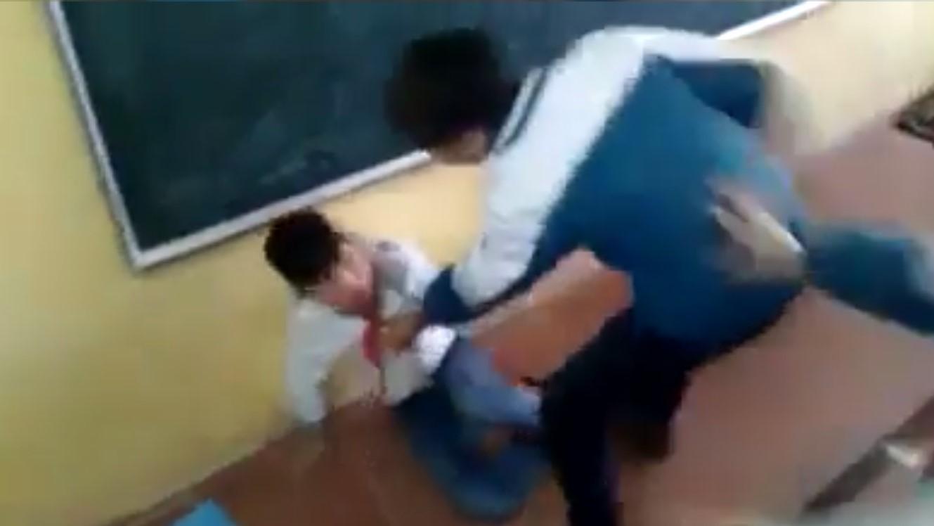 Cảnh cáo, đình chỉ học 7 học sinh đánh hội đồng bạn dã man