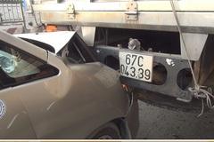 5 ô tô tông liên hoàn, quốc lộ ùn tắc nghiêm trọng