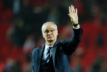 """Giới bóng đá sốc khi nghe tin Ranieri """"bay ghế"""""""