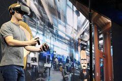 """Facebook lại """"gặp hạn"""" vì kính VR Oculus"""