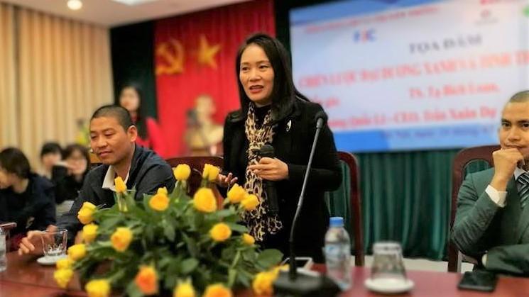 Tạ Bích Loan,Trường ĐH Khoa học Xã hội và Nhân văn,đài truyền hình Việt Nam,báo chí