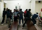 Xử vụ giết công an: Gia đình bị cáo và bị hại xô xát tại tòa