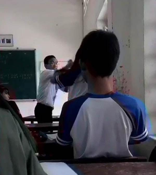 thầy giáo đánh học sinh, học sinh đánh nhau, clip, facebook