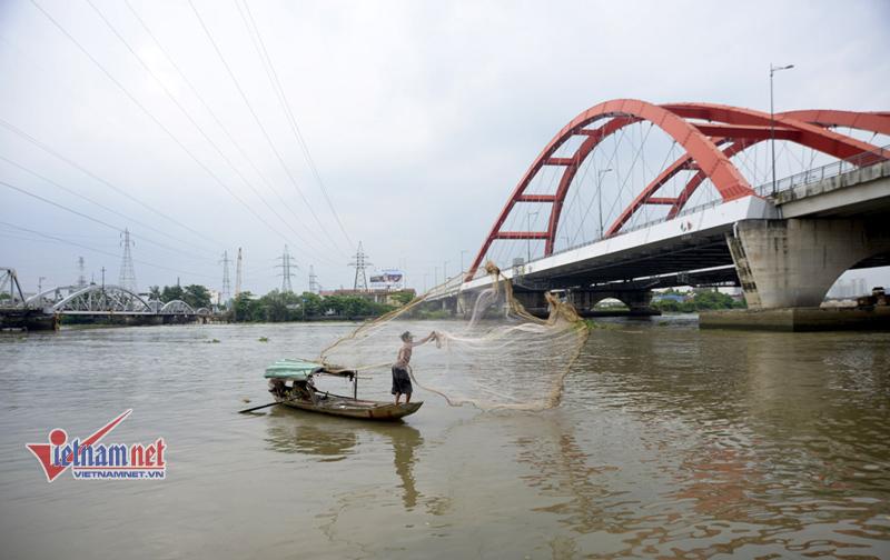 vớt xác, sông Sài Gòn, hotface,