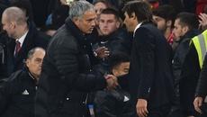 """Chelsea sắp vô địch, Mou trù ẻo Conte """"bay ghế"""""""