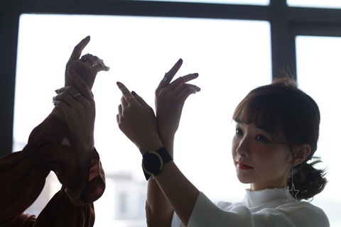 Thu nhập 'khủng' của người mẫu ảnh quảng cáo hàng bán online