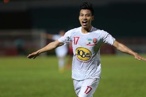 Văn Thanh sút lưới Long An lọt top 5 bàn thắng vòng 7