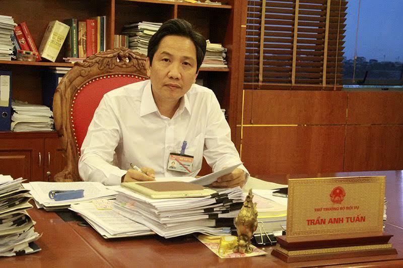 Bộ Nội vụ, Thứ trưởng Trần Anh Tuấn, tuyển công chức, hộ khẩu