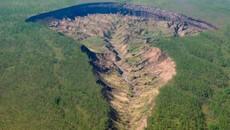 Lộ 'cánh cửa tới địa ngục' khổng lồ tại Siberia