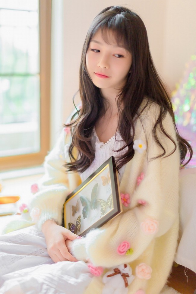 Nữ sinh đẹp như thiên thần khiến con gái cũng phải yêu