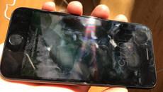Đây là lí do màn hình smartphone luôn nhằng nhịt dấu vân tay