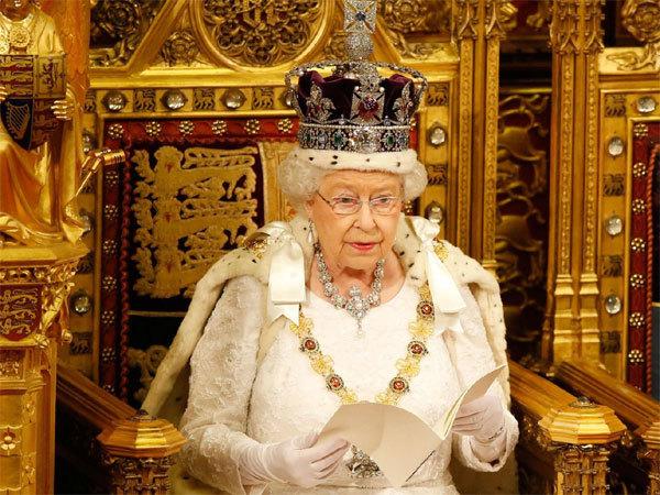 Vua chúa Anh ăn uống cầu kỳ tới đâu?