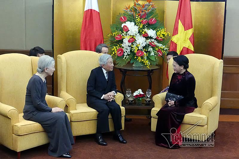 Chủ tịch Quốc hội hội kiến Nhà vua Nhật Bản