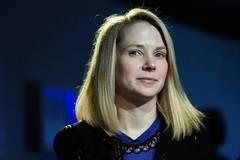 Sếp Yahoo bị cắt hết lương thưởng vì để công ty mất mặt