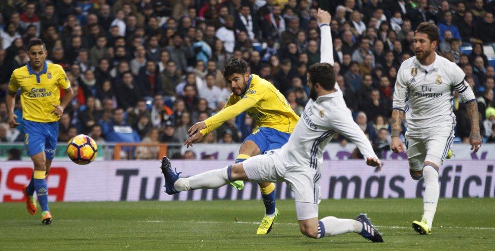 Bale bị đuổi, Ronaldo giúp Real thoát thua phút cuối