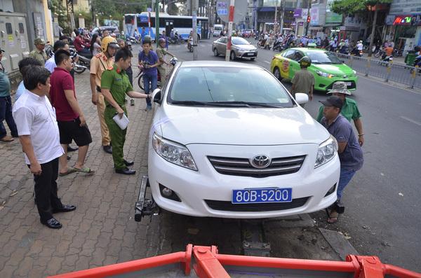 Dừng xe, đỗ xe sai quy định sẽ bị phạt bao nhiêu?