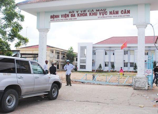 Một trưởng khoa bệnh viện chết trong phòng trực