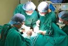 Chủ quan khản tiếng hóa ra có khối u trong thanh quản