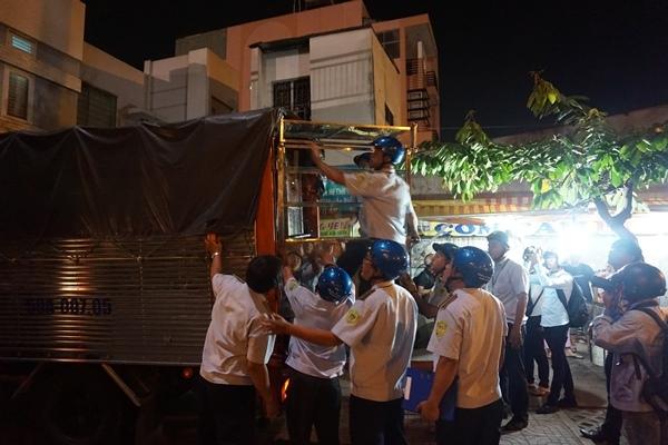 Tái chiếm vỉa hè ở 'phố nhậu' Sài Gòn