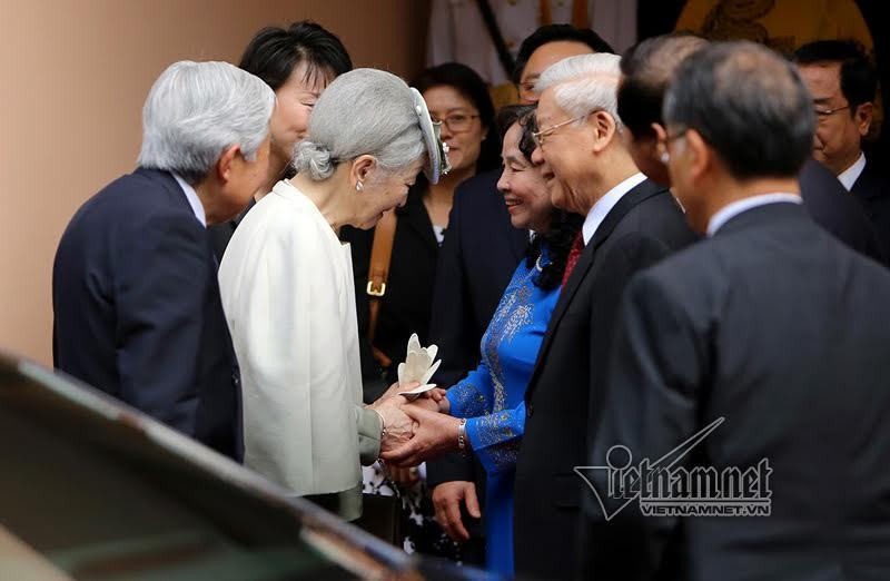 Tổng bí thư mời Nhà vua và Hoàng hậu Nhật Bản dự tiệc trà