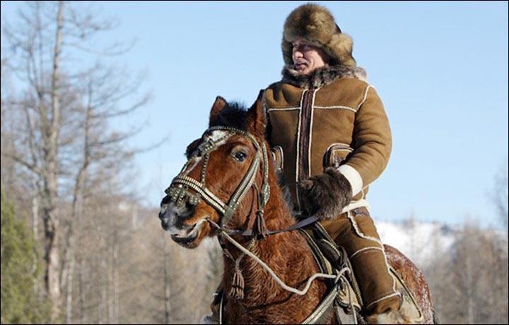 Ông Putin qua đêm trong rừng giữa trời lạnh giá