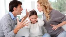 Sau ly hôn, muốn thăm con chồng cũ có cần xin phép vợ?