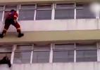 Lính cứu hoả bay người ngăn cô gái định tự tử