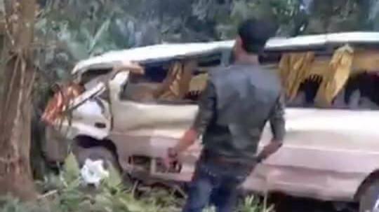 xe khách lao vực, tai nạn giao thông