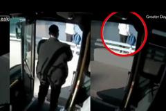 Tài xế xe buýt cứu cô gái tự tử chỉ bằng 1 câu nói